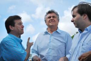 30/03/2009 - André de Paula, Ronaldo Caiado e Rodrigo Maia começam o roteiro da Caravana da transparência em Pernambuco (foto divulgação/ Daniela Leite)